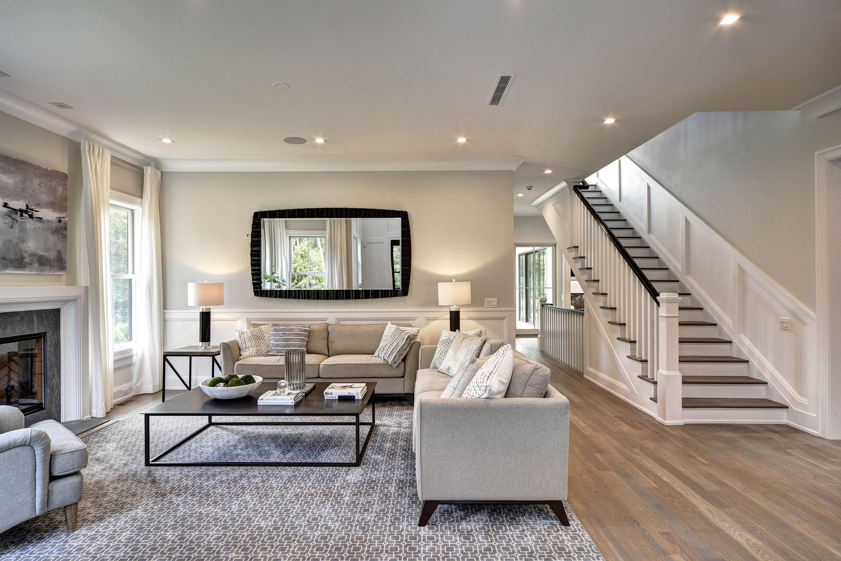18 Sellentin Way, Bridgehampton - Living Room
